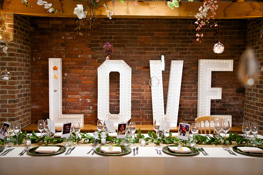Styling Your Venue: Stunning Wedding Lighting Ideas - Hollywood Signs | CHWV