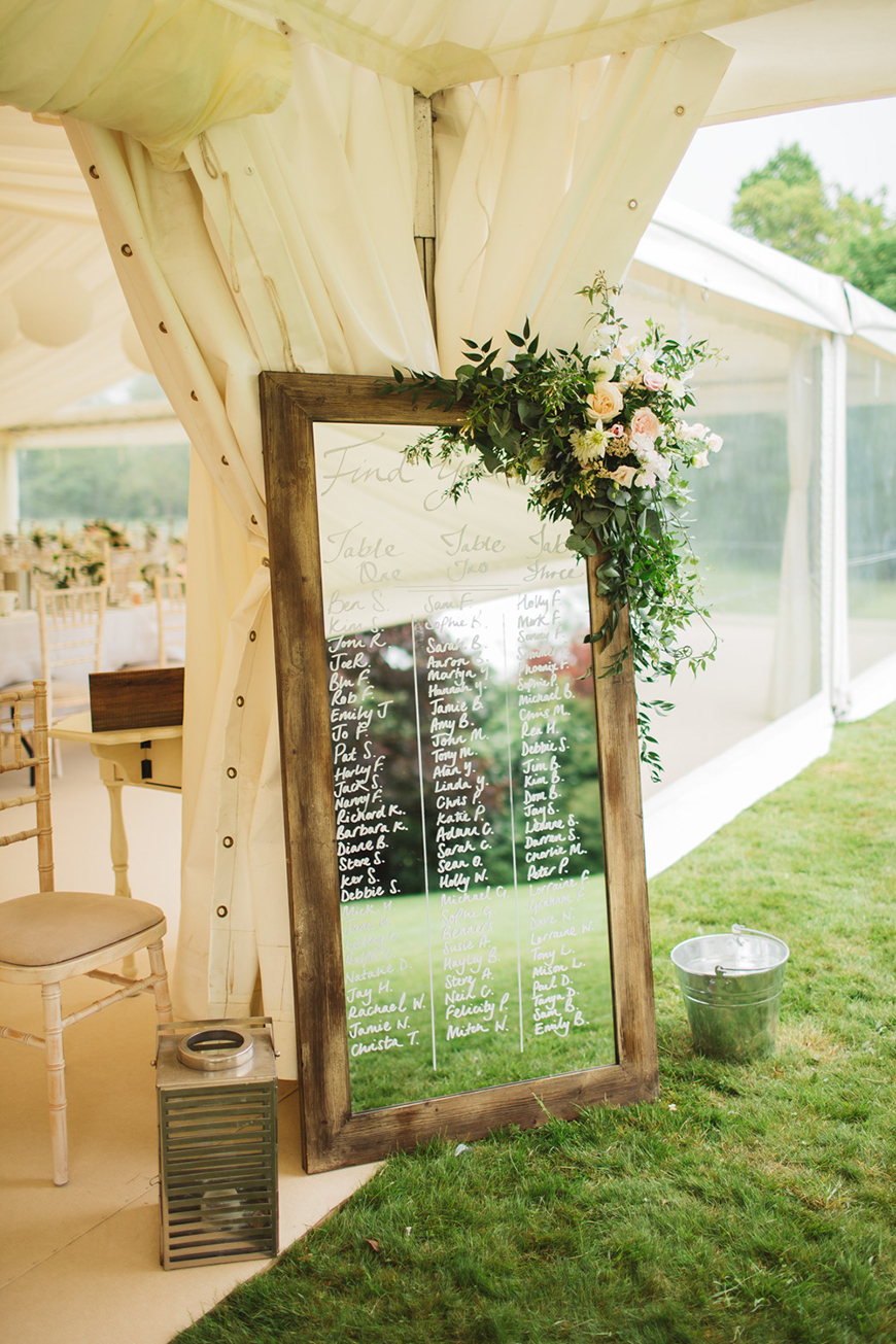 How To Style Those Amazing Marquee Wedding Venues - Finishing touches | CHWV