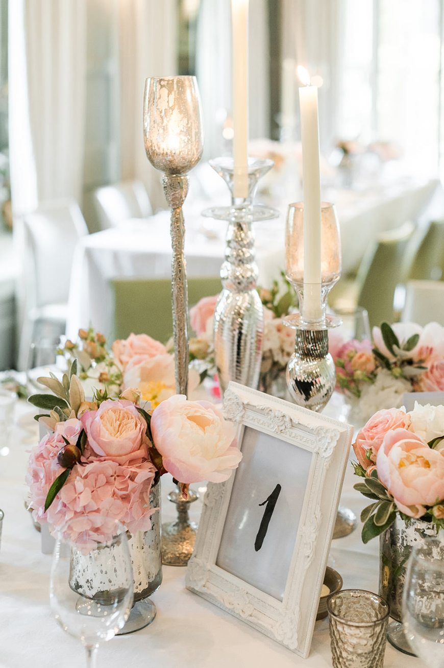 How To Style Those Amazing Marquee Wedding Venues - Lighting | CHWV