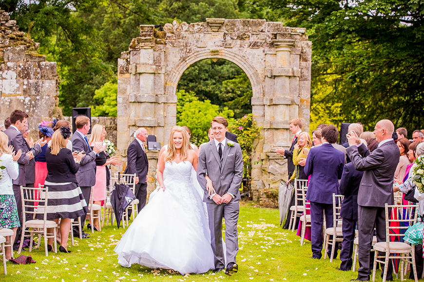 How To Style Those Amazing Marquee Wedding Venues - Slaugham Place | CHWV