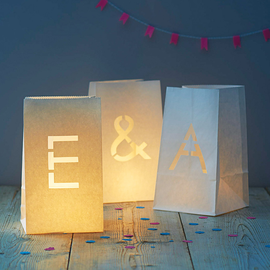 Styling outdoors at your wedding reception - Paper lanterns | CHWV