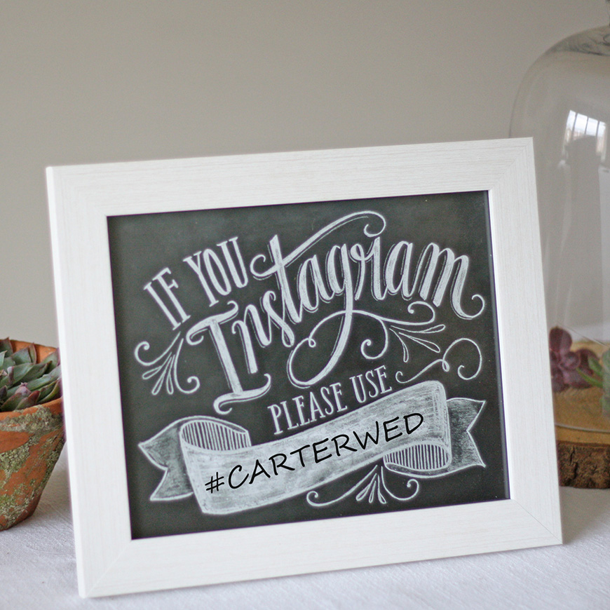 Styling outdoors at your wedding reception - Signage | CHWV