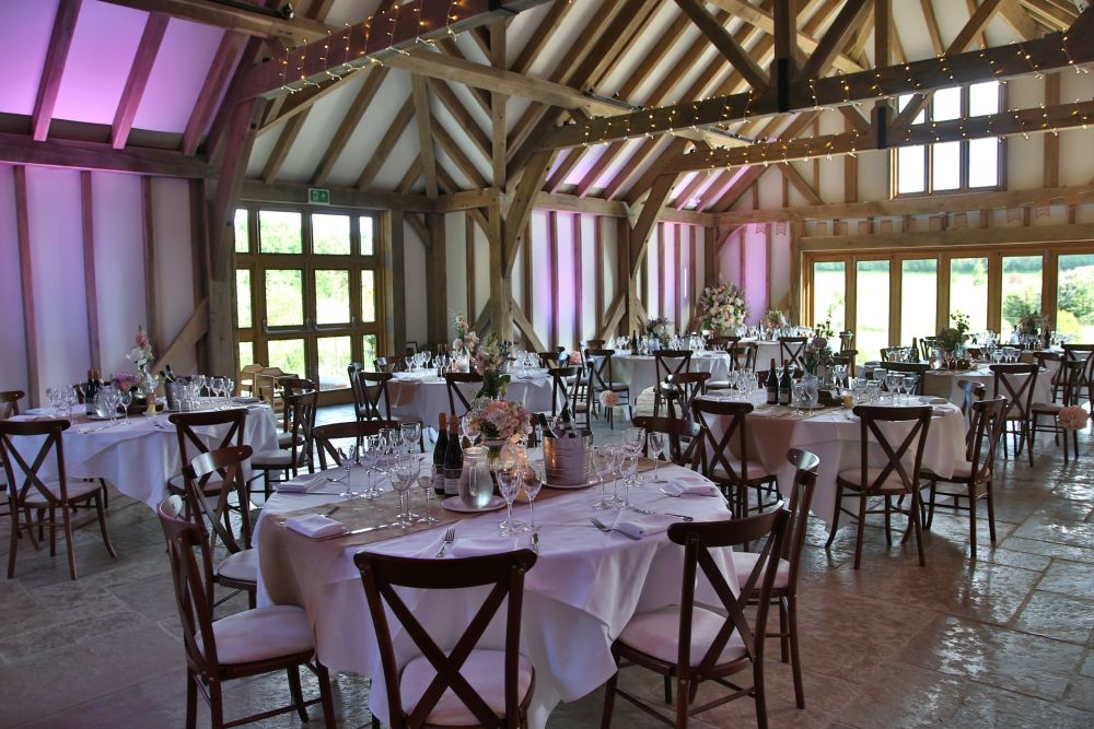 7 Summer Wedding Venues In Sussex - Brookefield Barn | CHWV