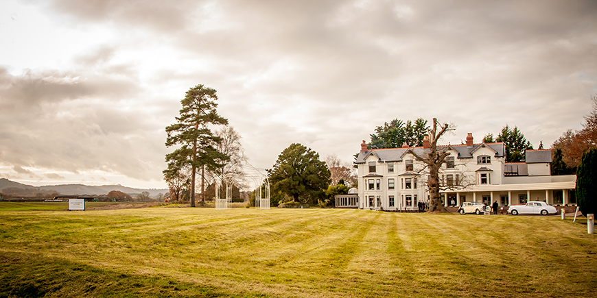 7 Summer Wedding Venues In Sussex - Southdowns Manor | CHWV
