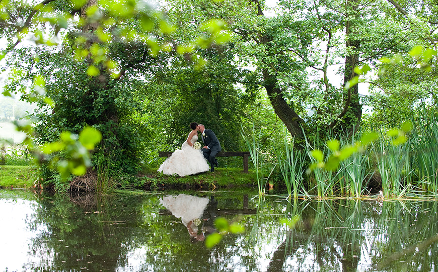 5 Barn Wedding Venues In The West Midlands - The Ashes   CHWV