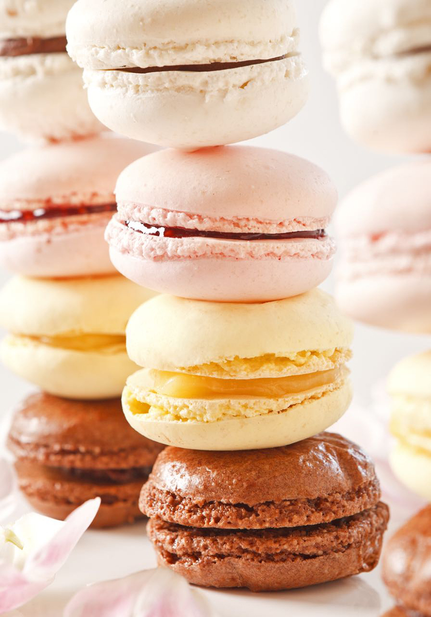 The Best Modern Wedding Favours For Every Style - Macarons | CHWV