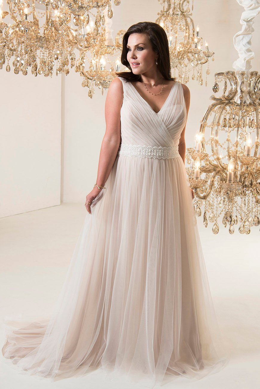 10 Of The Best Plus Sized Wedding Dresses