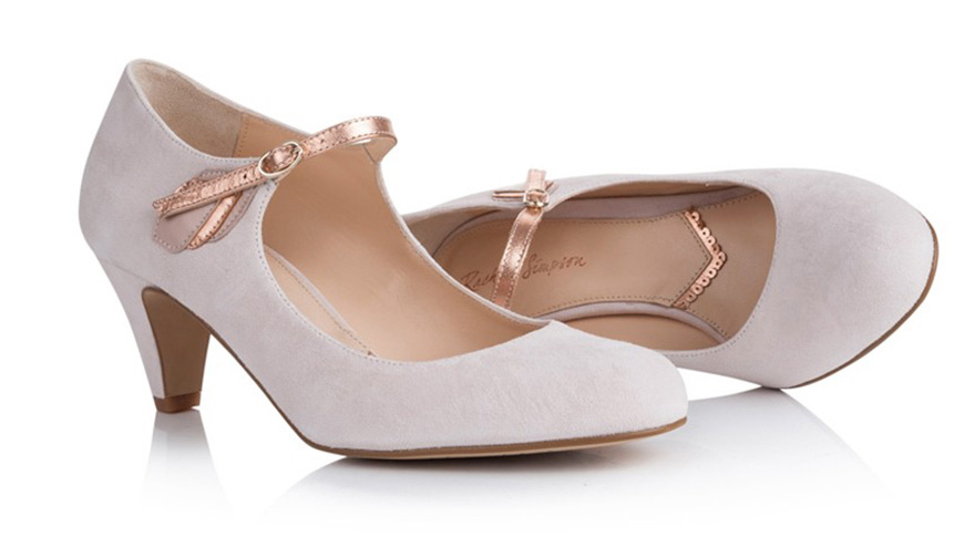 The Best Wedding Shoes for a Winter Wedding - Blushing bride | CHWV