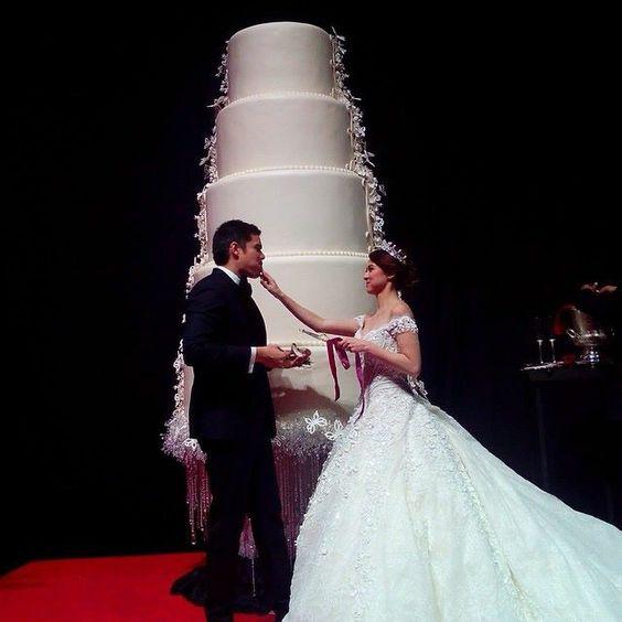9 Extravagant Celebrity Wedding Cakes - CHWV
