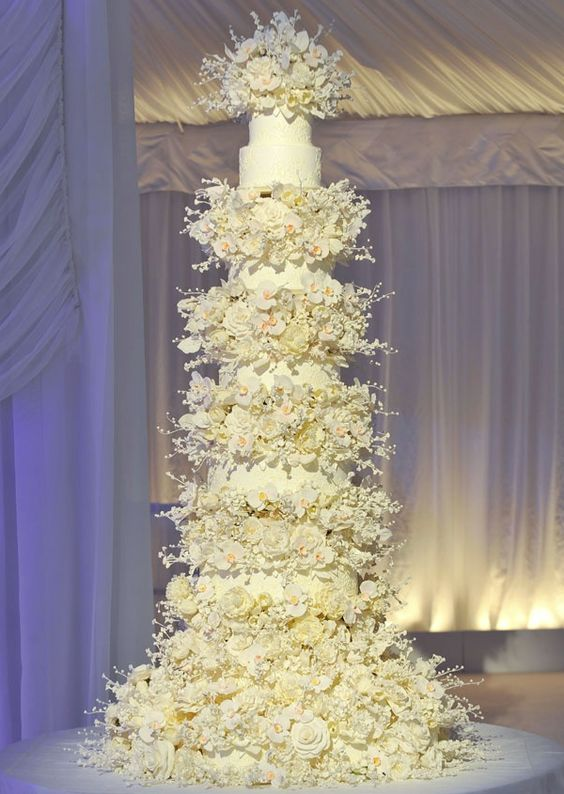 9 Extravagant Celebrity Wedding Cakes | CHWV