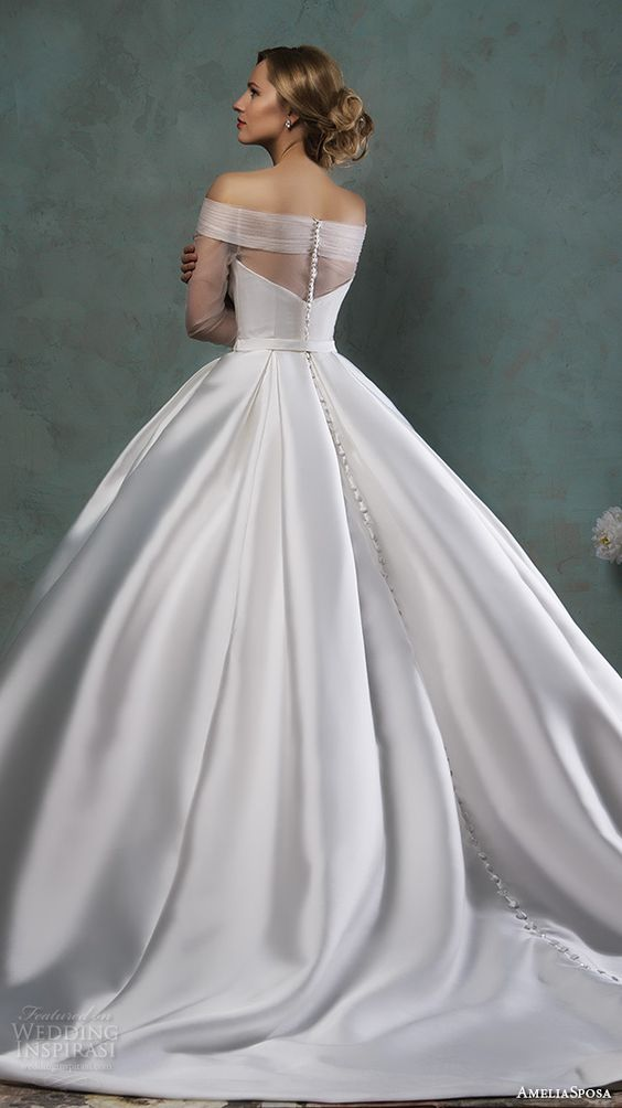 Trend alert off the shoulder wedding dresses chwv for Off the shoulder ball gown wedding dress