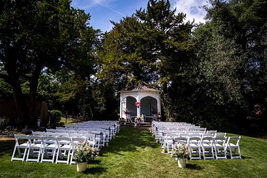 8 All-In-One Wedding Venues That Are Perfect For Summer - Wasing Park | CHWV
