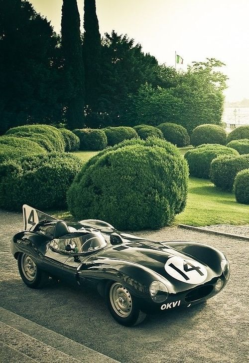 Awesome Wedding Cars for the Groom - Classic british | CHWV