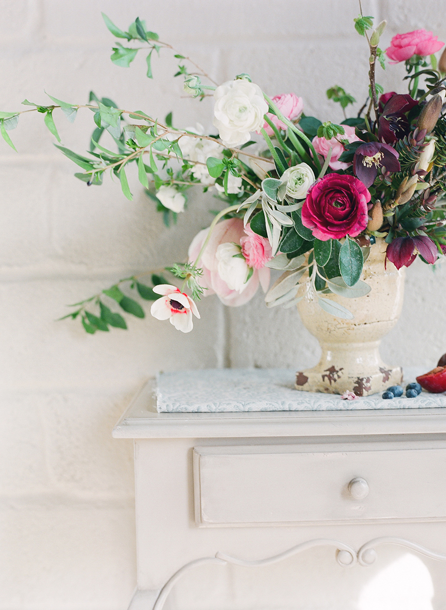 March wedding flowers wedding flowers by season chwv wedding flowers in season march wedding chwv junglespirit Image collections