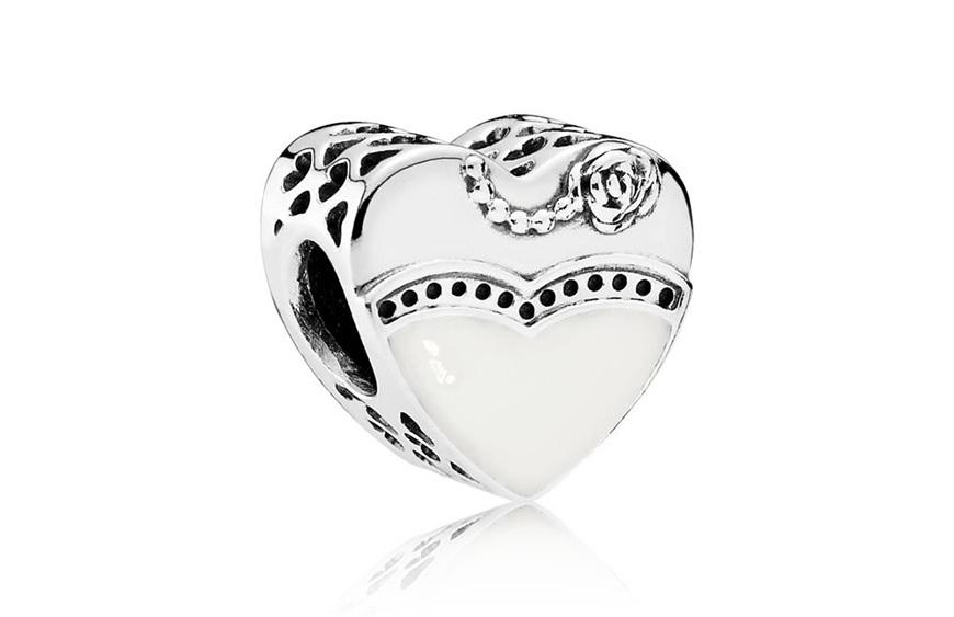 Wedding gift ideas: For the bride - Pandora charm | CHWV