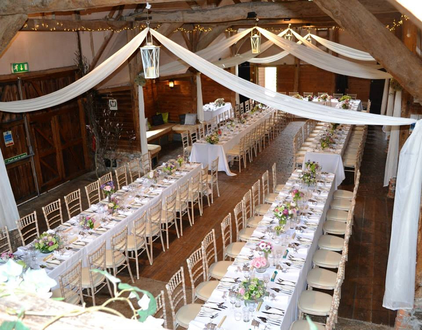 The Perfect Winter Wedding Venues in Oxfordshire - Lains Barn | CHWV