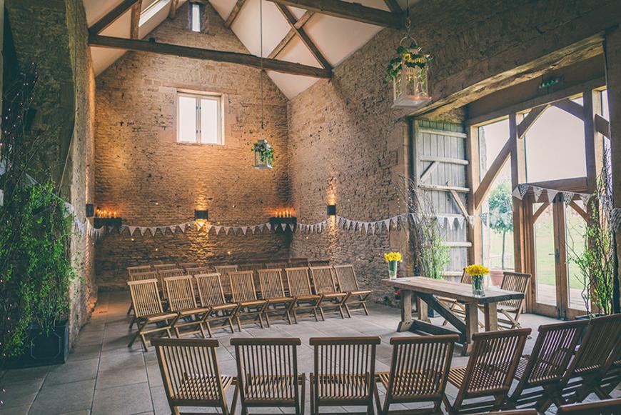 The Perfect Winter Wedding Venues in Oxfordshire - Stone Barn | CHWV