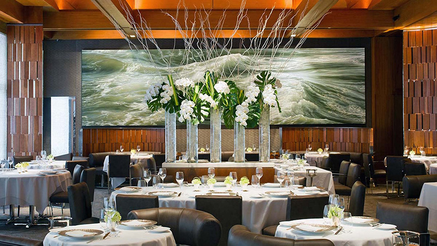 9 Wonderful Wedding Gift Ideas for the Mums - A restaurant voucher | CHWV
