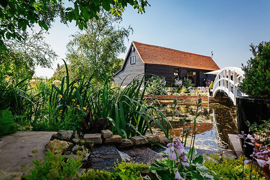 8 Wonderful Wedding Venues In Essex - High House Weddings | CHWV
