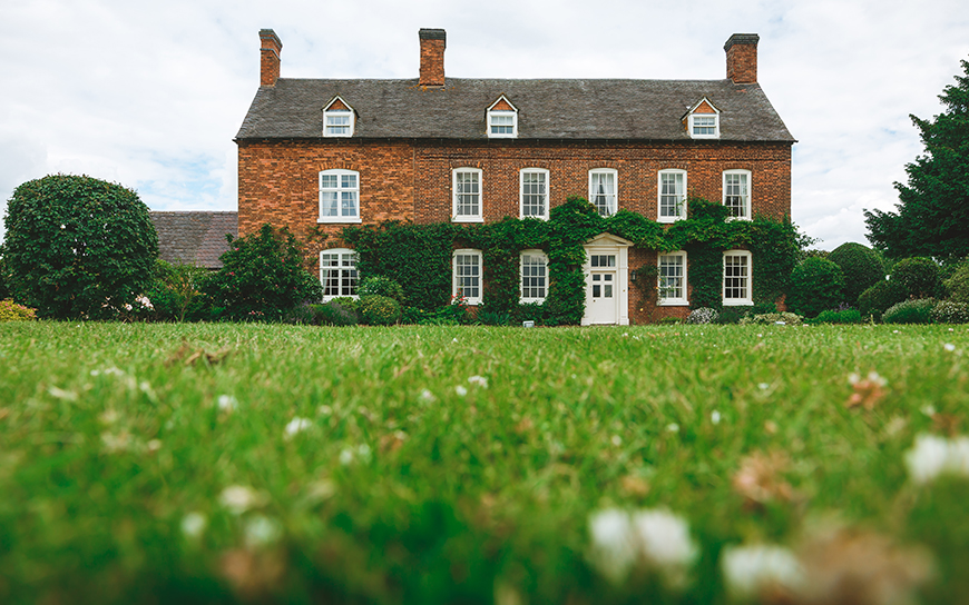 10 Incredible Wedding Venues In the West Midlands - Alrewas Hayes | CHWV