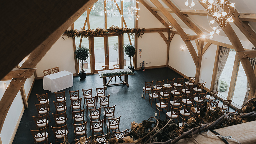 Save ££££s With These Awesome 2019 Wedding Offers - Mythe Barn | CHWV