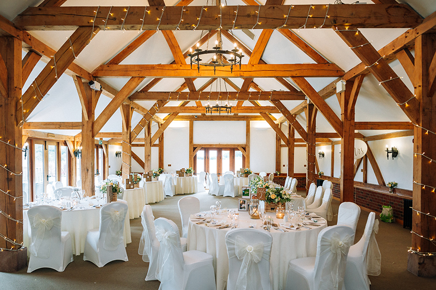 Save ££££s With These Awesome 2019 Wedding Offers - Sandhole Oak Barn | CHWV