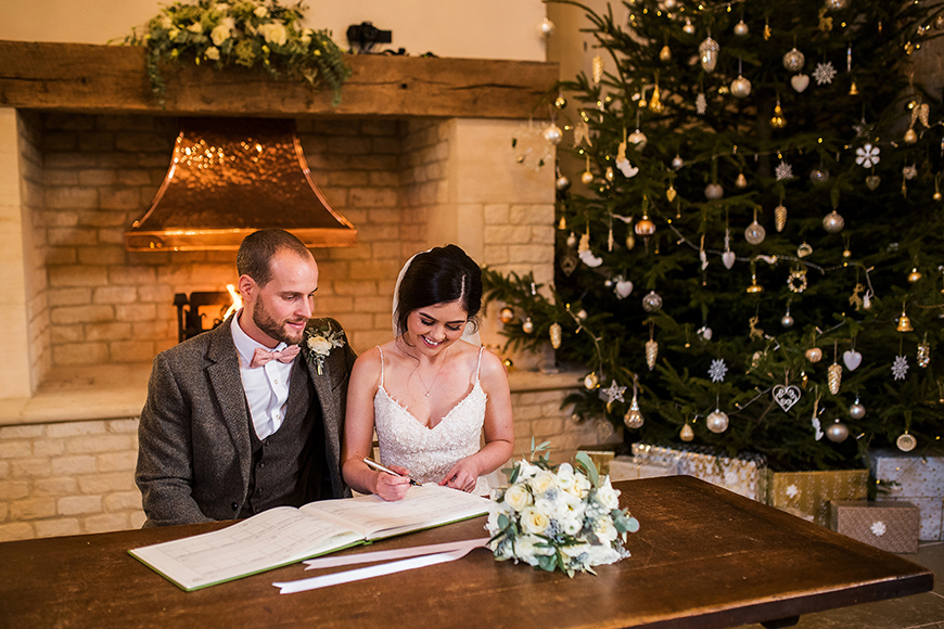 The Best Winter Wedding Ideas - Christmas tree | CHWV