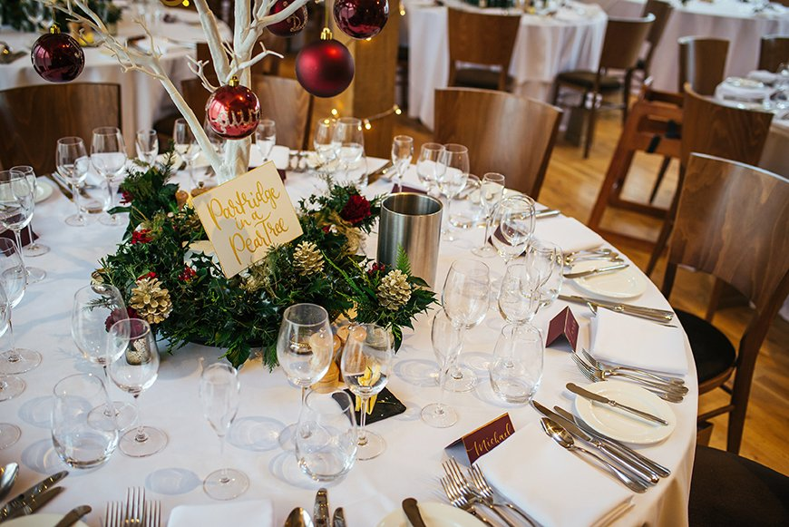 The Best Winter Wedding Ideas - Table decorations | CHWV
