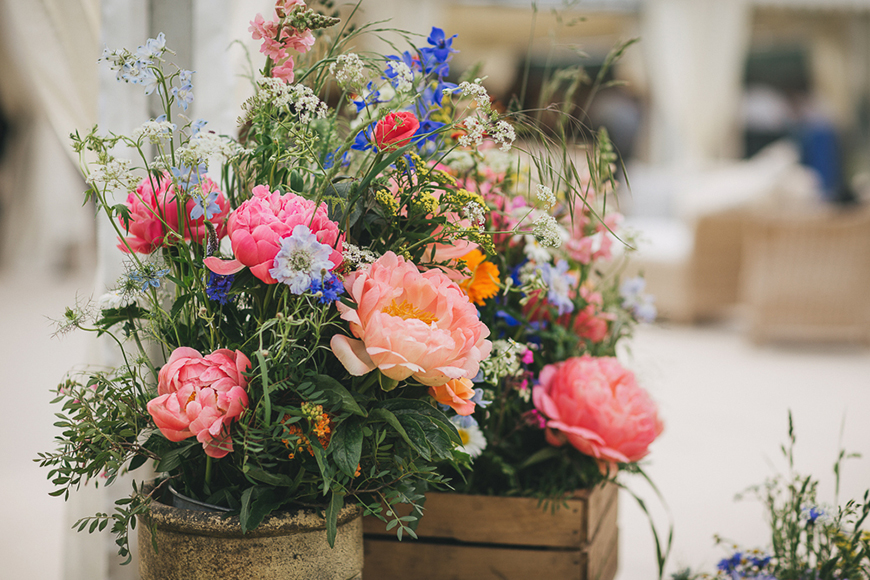 12 Colourful Summer Wedding Ideas - Brightest blooms | CHWV