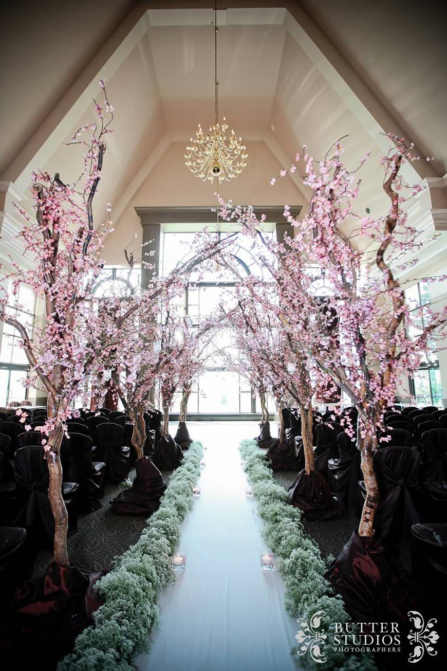 The Coolest Winter Wedding Ideas - Twinkling trees | CHWV