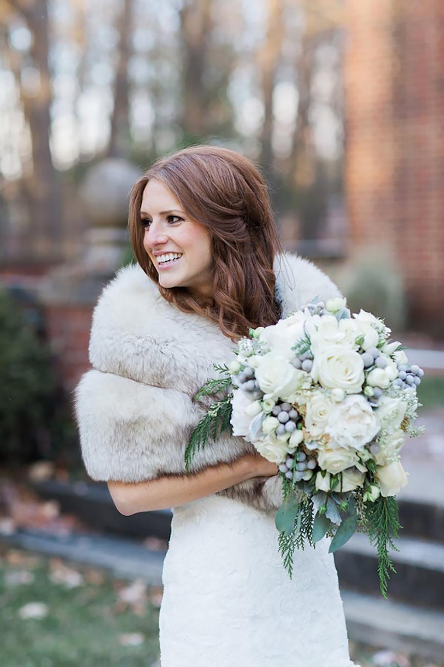 The Coolest Winter Wedding Ideas - White wedding | CHWV