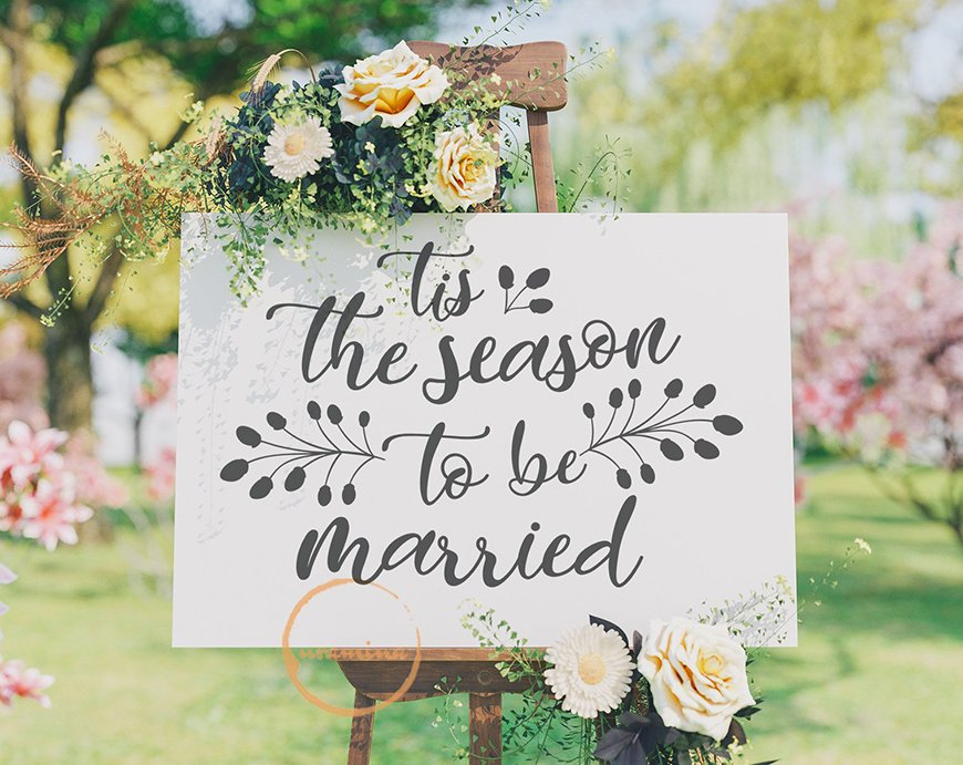 The Coolest Winter Wedding Ideas - Festive signs | CHWV