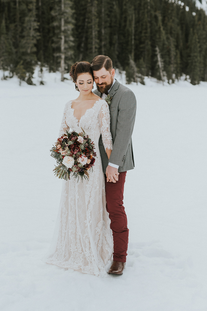 The Coolest Winter Wedding Ideas - Suit yourself | CHWV