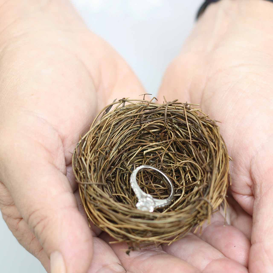 21 Cracking Easter Wedding Ideas - Nests for your rings | CHWV