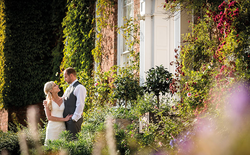 15 Manor House Wedding Venues For A Summer Wedding - Delbury Hall | CHWV