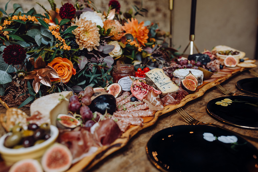 Delicious Dessert Tables You Have To See - Say cheese   CHWV