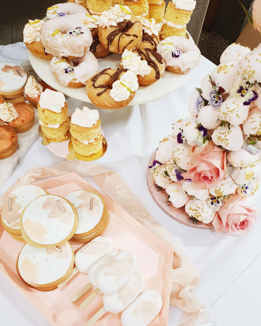 Delicious Dessert Tables With Sugar and Bloom | CHWV