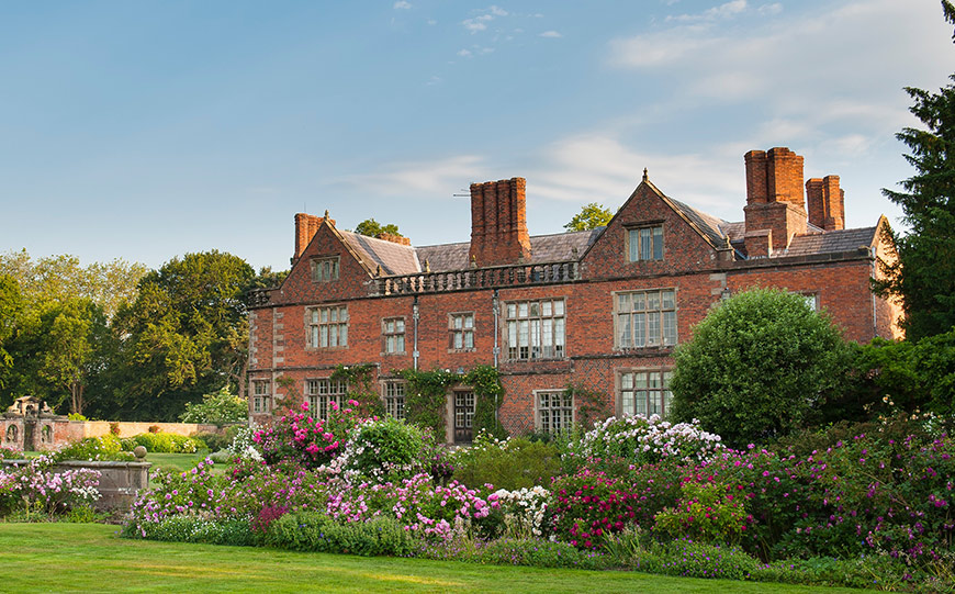 15 Manor House Wedding Venues For A Summer Wedding - Dorfold Hall | CHWV