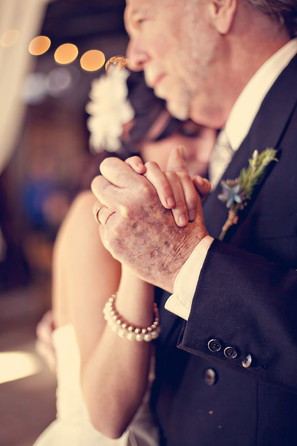 Reasons to downsize your big day