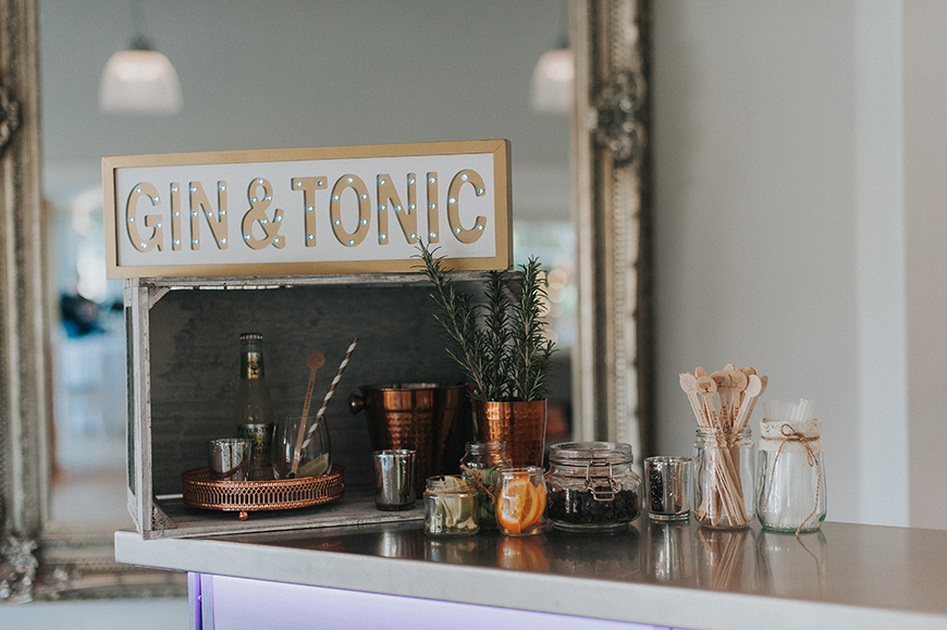 How To Mix Up Your Wedding Reception With Drinks Stations - G&T stations | CHWV