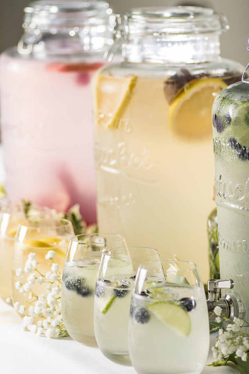 How To Mix Up Your Wedding Reception With Drinks Stations - Soft drink station | CHWV