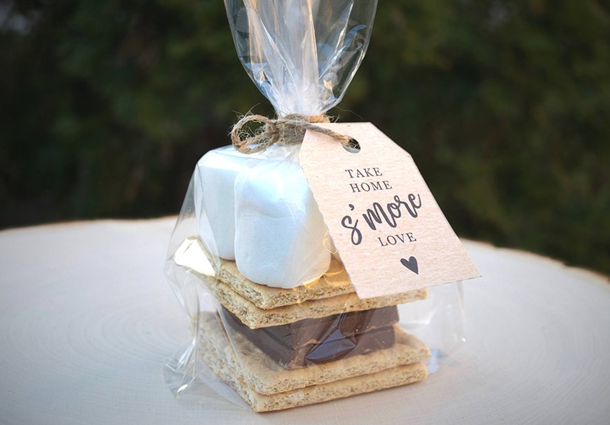 Edible Wedding Favours To Treat Your Guests - S'mores | CHWV