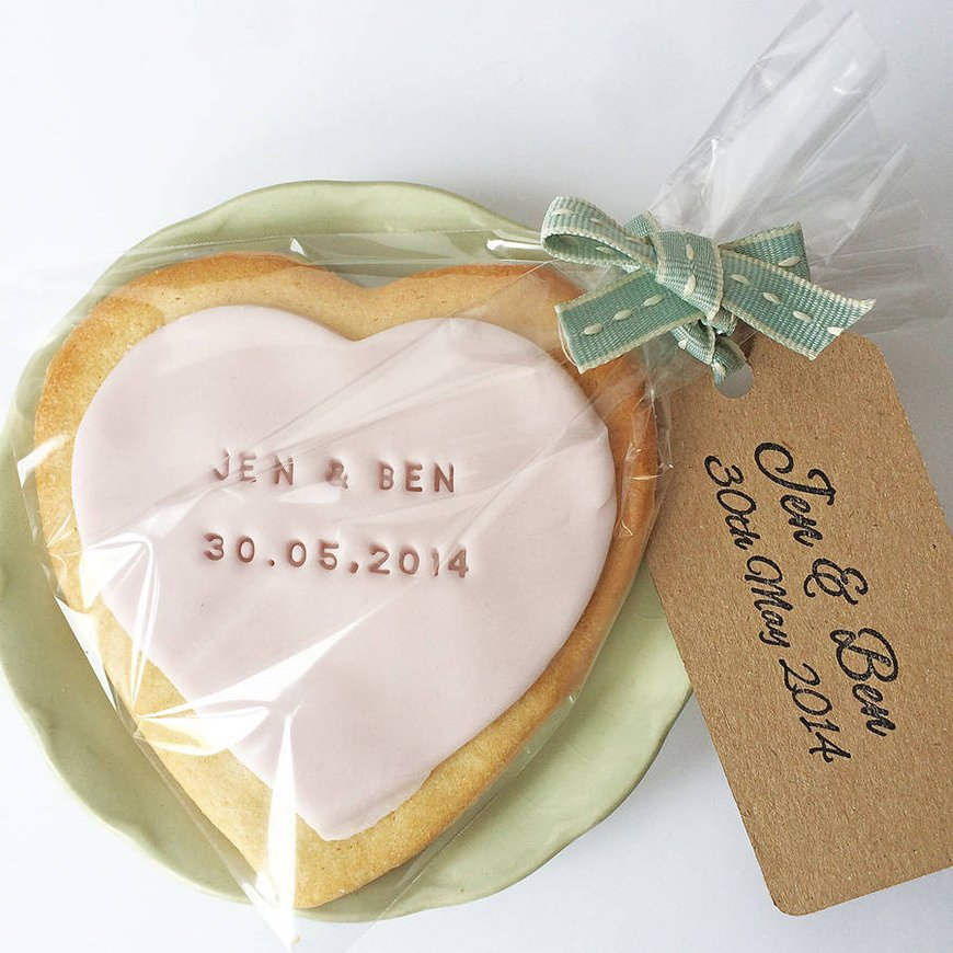Edible Wedding Favours To Treat Your Guests - Cookies | CHWV