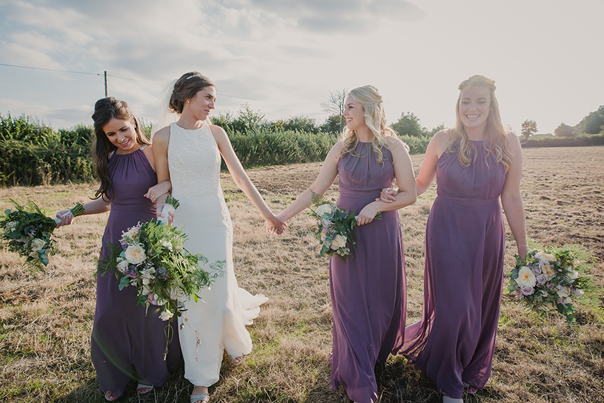 How To Deal With Family Politics On Your Wedding Day - Ask a friend | CHWV