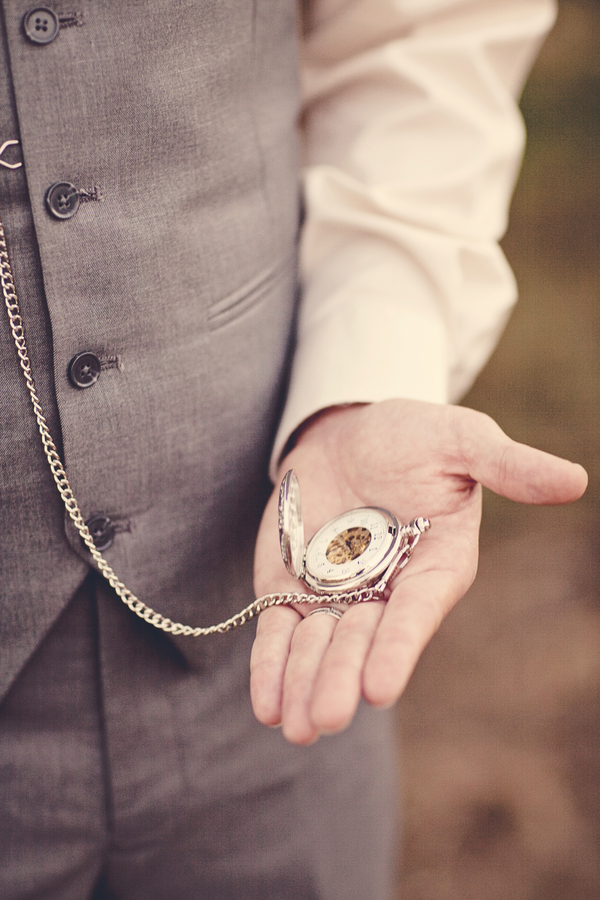 8 Father of the Bride Gift Ideas - Pocket Watch | CHWV