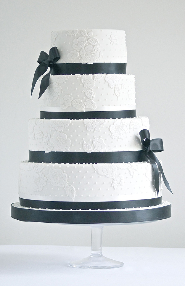 pics of black and white wedding cakes black and white wedding cakes chwv 18340