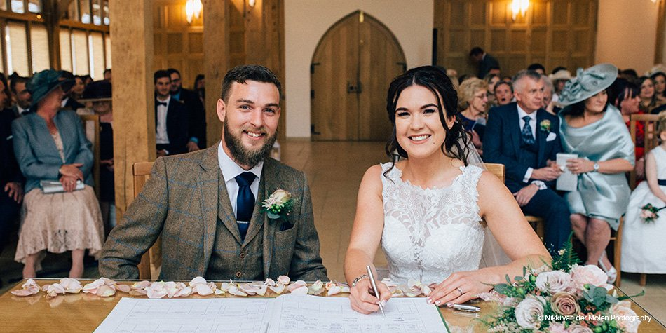 Lindsay Ellis Wedding.Jade And Ellis S Elegant Spring Wedding At Rivervale Barn Real