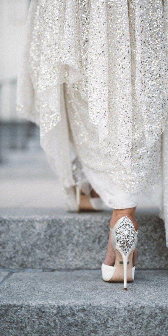 85ea2edcaf99 New Year's Eve Wedding Ideas | CHWV