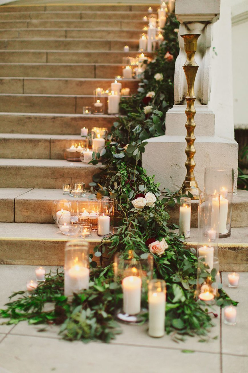 26 Ways To Use Garlands On Your Wedding Day - Garlands at weddings in Autumn and winter | CHWV