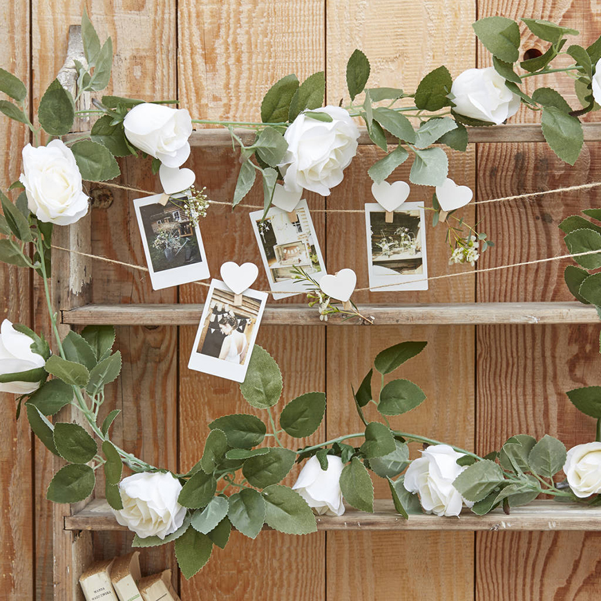 26 Ways To Use Garlands On Your Wedding Day - Spring and summer wedding garlands | CHWV